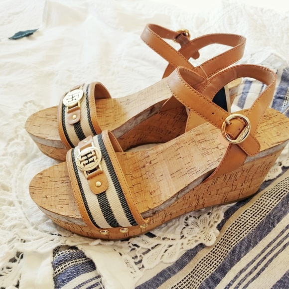 d65b30ed9faff0 NWT Tommy Hilfiger Nautical Wedge Sandals